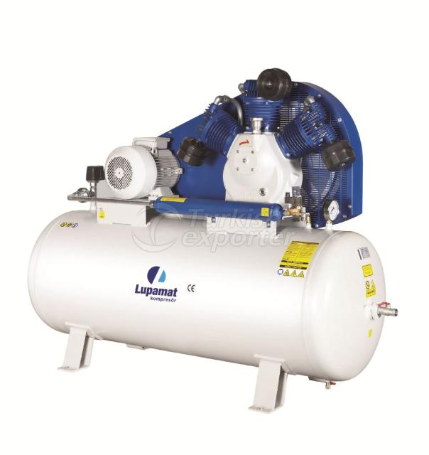 Design and Efficiency of Screw Compressors